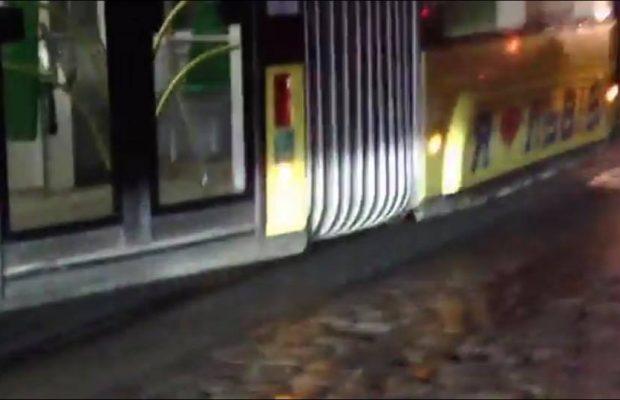 У Львові трамвай зійшов із рейок