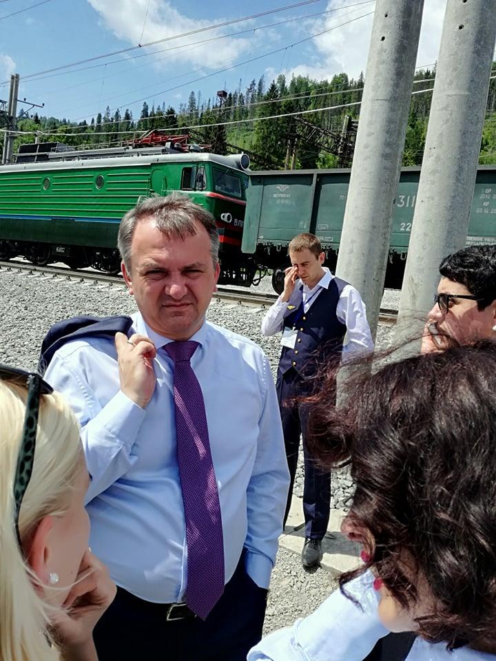 Голова Львівської ОДА Олег Синютка на відкритті Бескидського тунелю