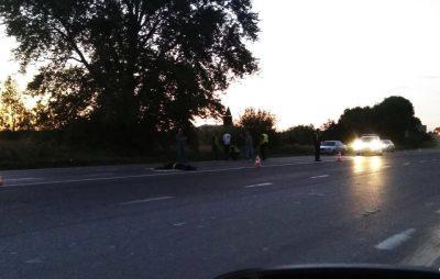 Біля Львова водій автомобіля збив пішохода