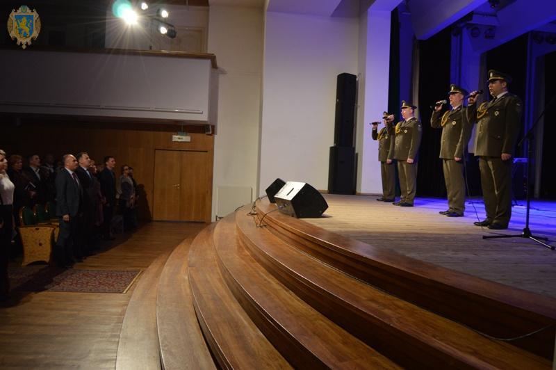 До Дня Збройних сил України для родин учасників АТО організували мистецьку зустріч. Фото: прес-служба ЛОДА.