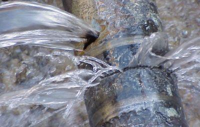 Львів'яни не отримують водопостачання на 13 вулицях. Фото: відкриті джерела.