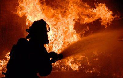 У Львові ліквідували пожежу у дровітні. Фото: відкриті джерела.