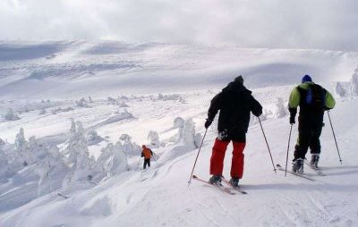У Львівській області на горі Високий Верх травмувалася лижниця