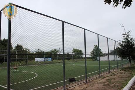 На Жовківщині збудували 9 футбольних полів