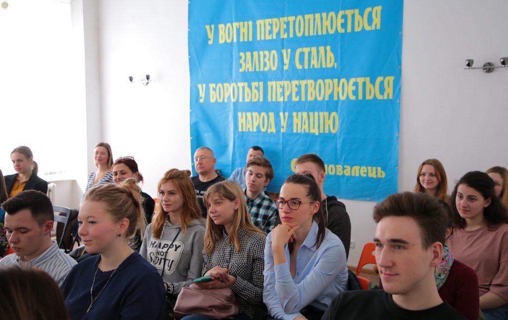 На Львівщині молодь вчили ораторському мистецтву