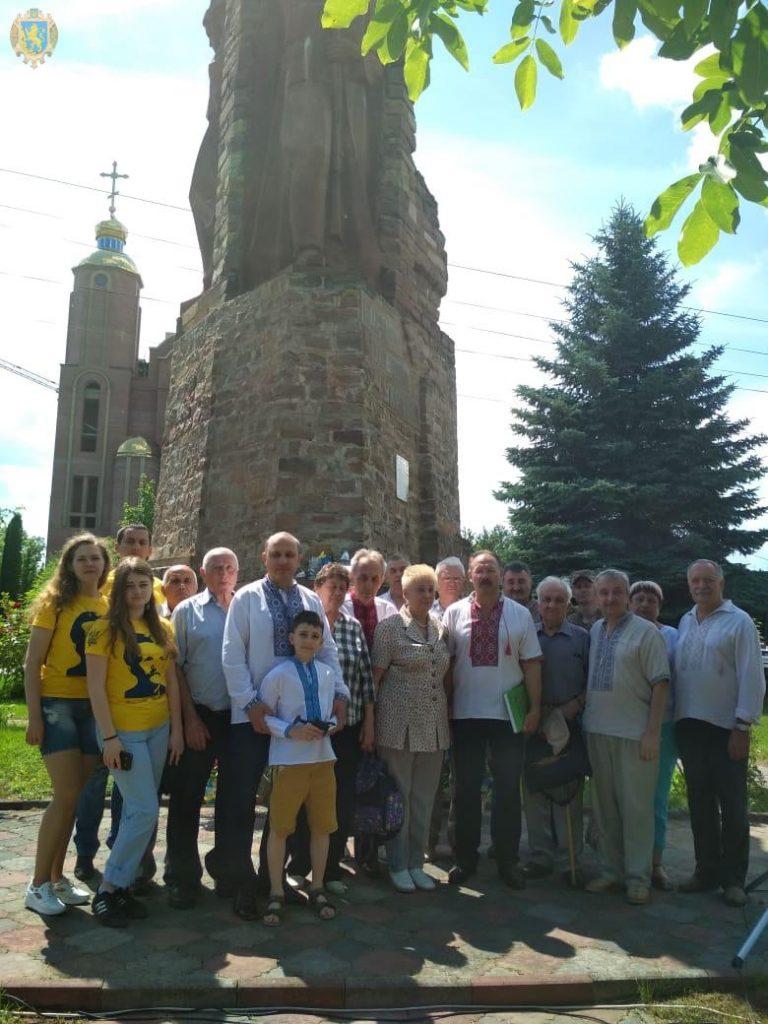 Делегація з Львівщини взяла участь у параді Героїв у Чорткові