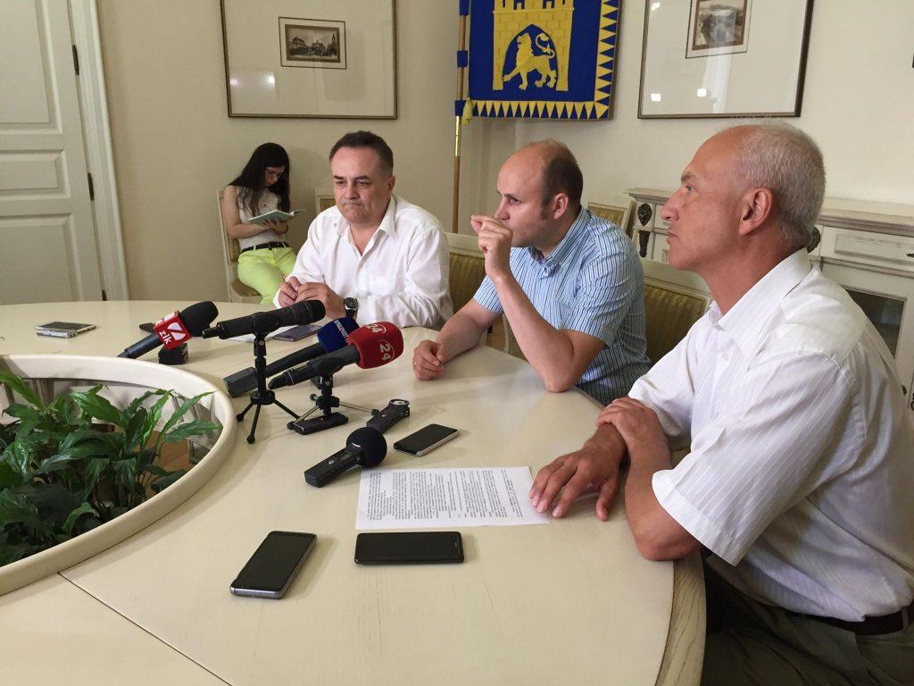 Як у Львові намагаються запровадити е-квиток. Фото: 4studio.