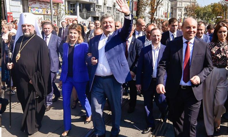 """Відомі українські письменники оголосили про підтримку """"Європейської солідарності"""""""