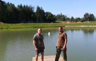 На Яворівщині від виснаження врятували дикого лебедя. Фото: Голос Сокальщини.