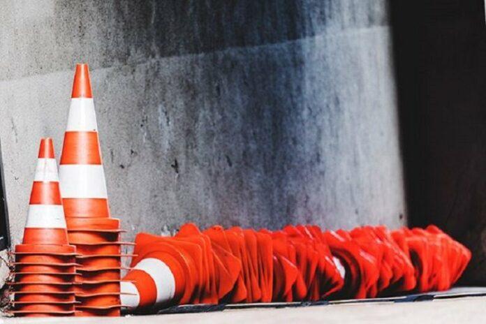 Перекрито рух транспорту. Фото: відкриті джерела.
