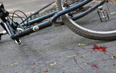 На Львівщині автівка збила 70-річного велосипедиста
