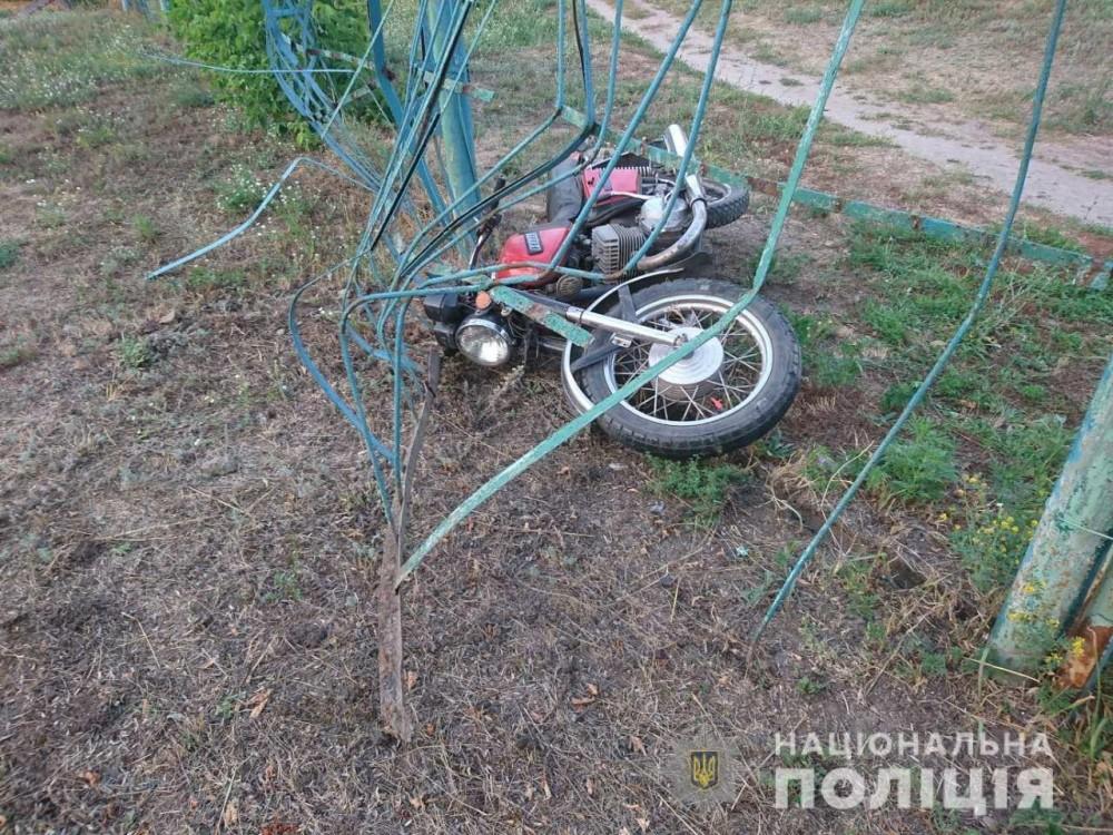 У Жовкві 17- річний мотоцикліст в'їхав у електроопору . Фото: відкриті джерела.