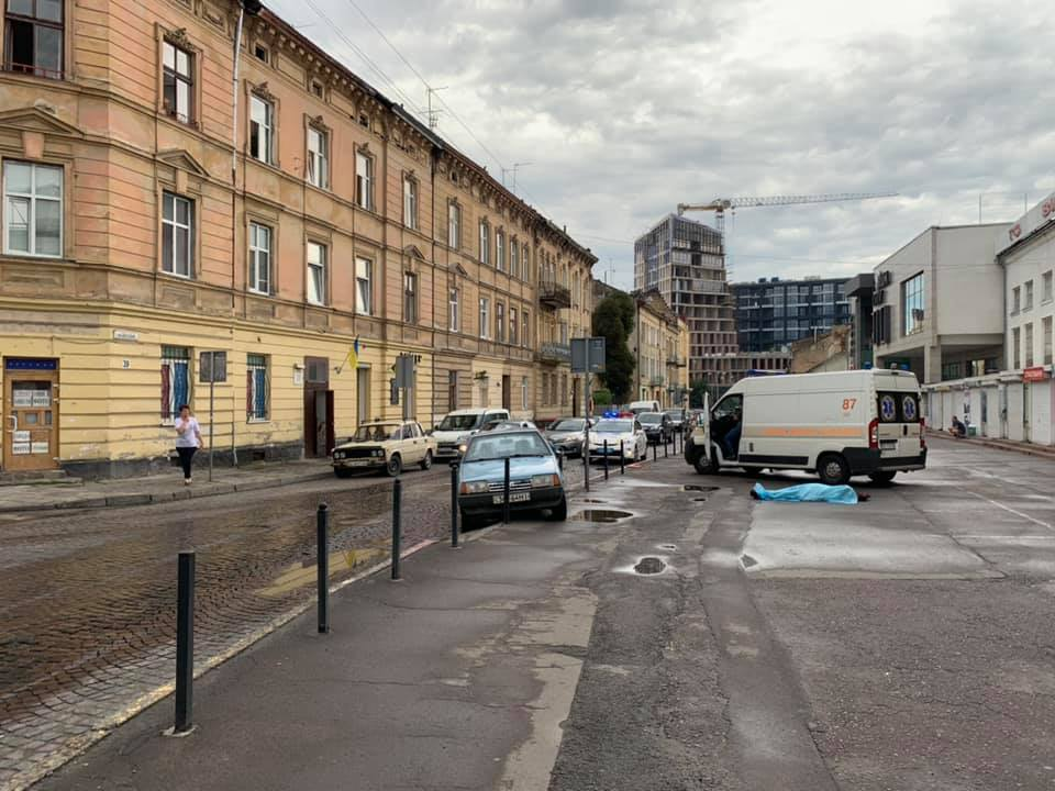 У Львові через погане самопочуття помер 61-річний водій. Варта1.