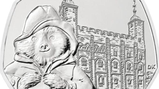 Нова монета з ведмедиком Паддінгтоном надійде в обіг у Британії. Фото: BBC Україна.