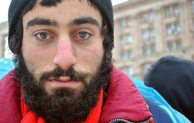 Порошенко вшанував пам'ять першого загиблого на Майдані Сергія Нігояна. Фото: Пінтерест.