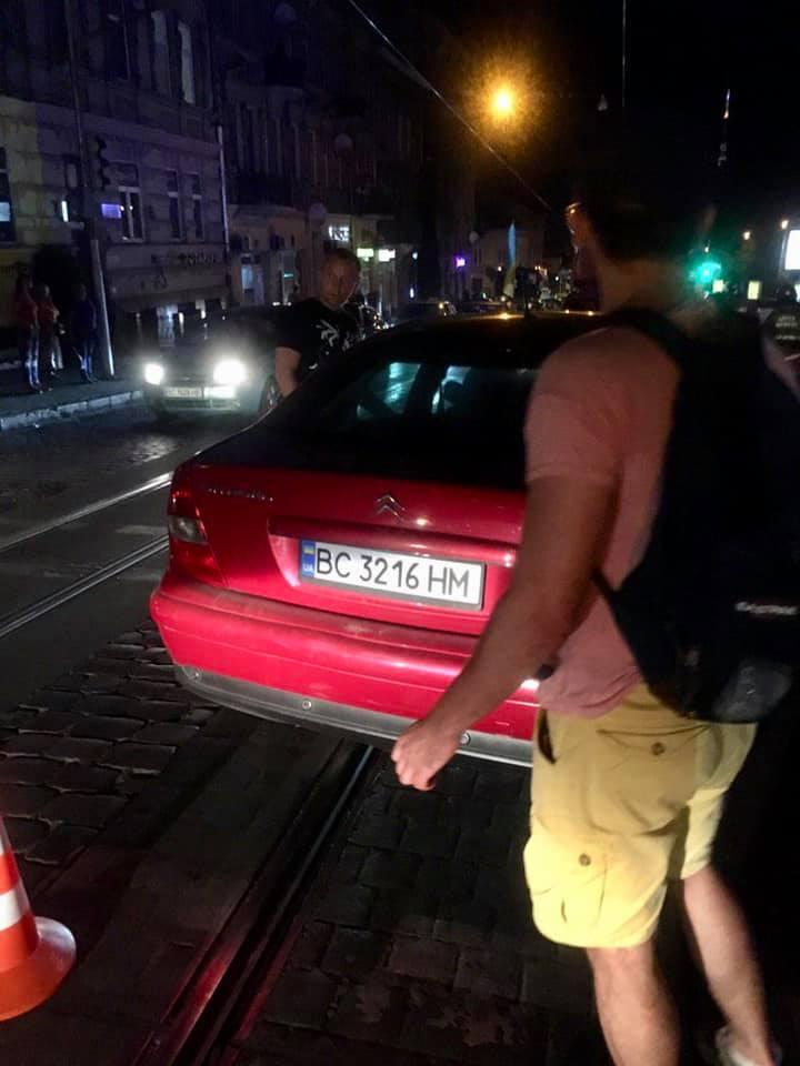 Аварія біля цирку у Львові. Фото Ігор Зінкевич
