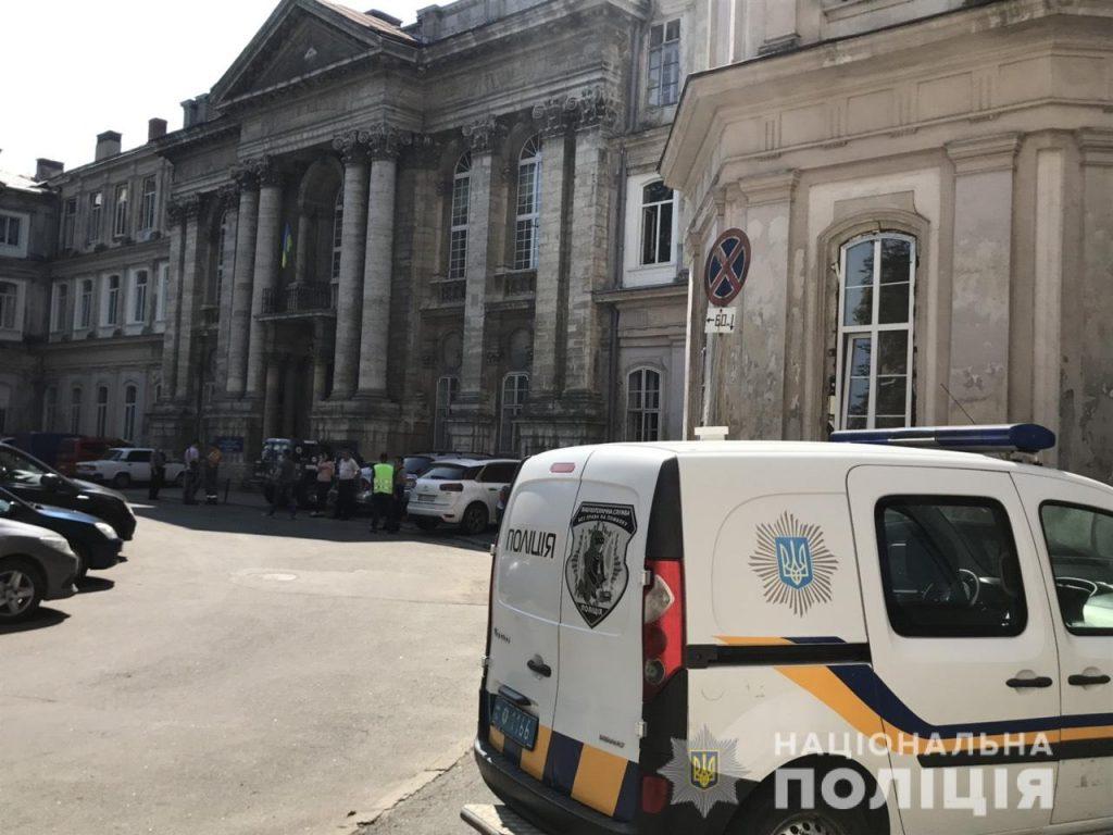 Повідомлення про замінування однієї з лікарень Львова виявилось неправдивим