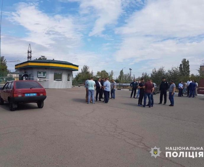 На заправці в Миколаєві розстріляли трьох людей
