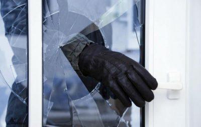 На Радехівщині чоловіки розбили вікно та проникли у магазин. Фото: відкриті джерела.