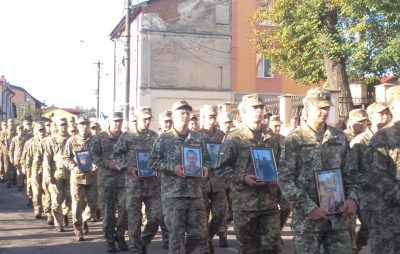 Львівщина зустрічає військових, які повернулись із зони ведення бойових дій. Фото Юля Субота, 4studio