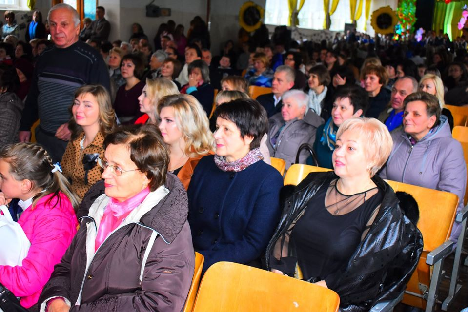 У Новояворівську школа, у якій вчився Скрябін, відзначила 50-річчя. фОТО: Яворівська РДА.