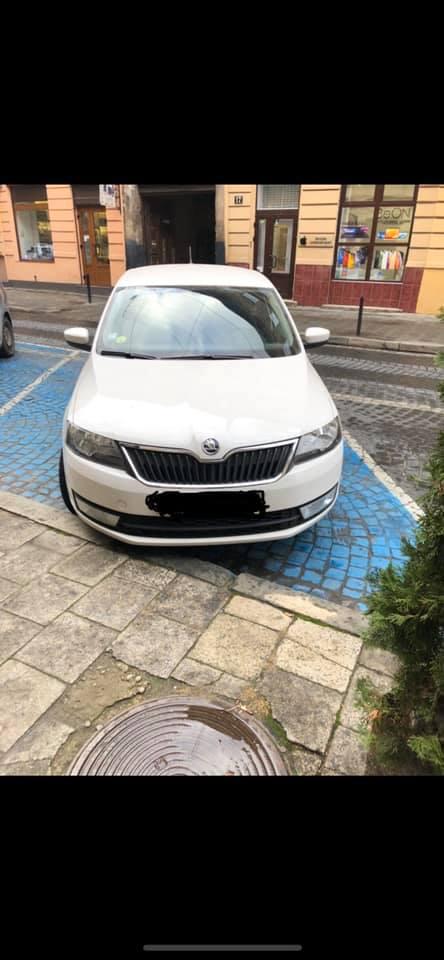 Годувальниця для муніципалів Садового: у центрі Львова людині-інваліду виписали штраф на місці для паркування