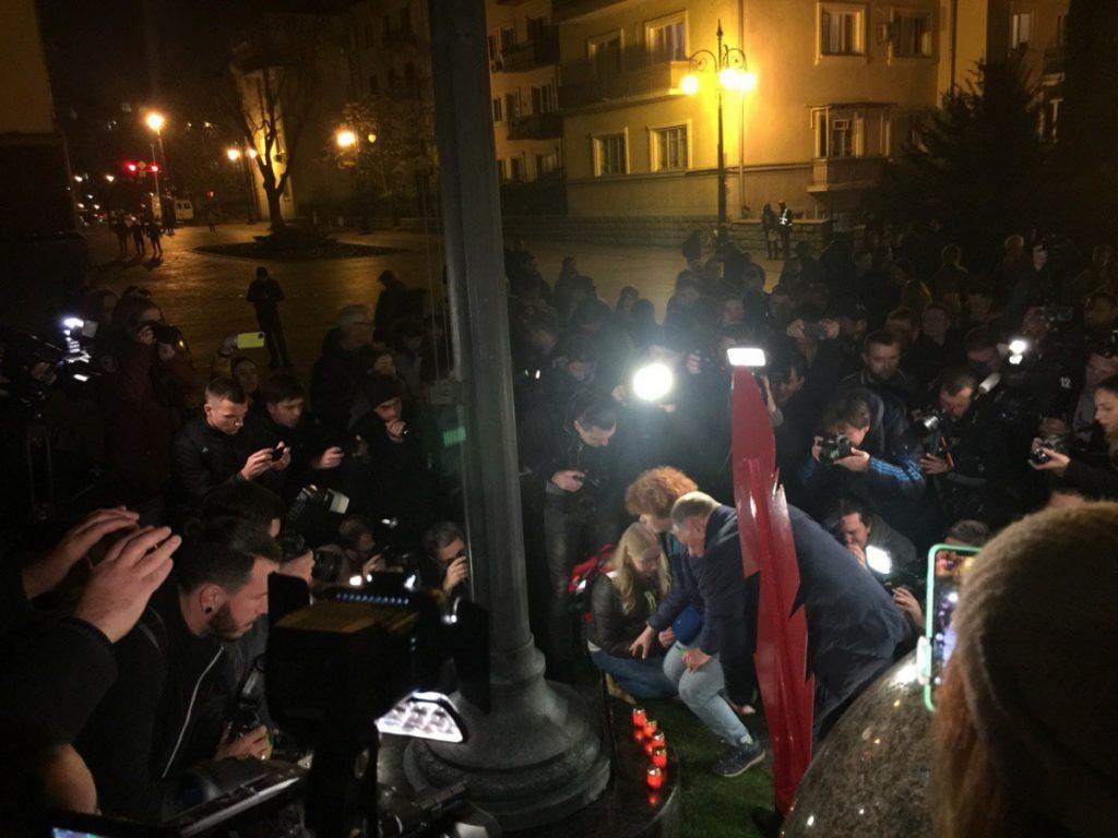 Київ ушановує пам'ять загиблої активістки Гандзюк. Фото: 5 канал