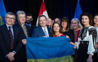 Заступник Прем'єр-міністра Канади Христя Фріланд прибула на зустріч з Петром Порошенком в Едмонтон