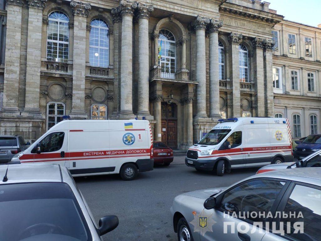 У Львові в лікарні та церкві шукали вибухівку