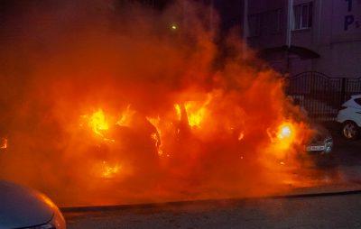 На Яворівщині згорів автомобіль BMW