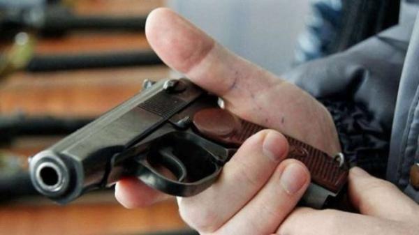 У Львові пенсіонерці погрожували пістолетом