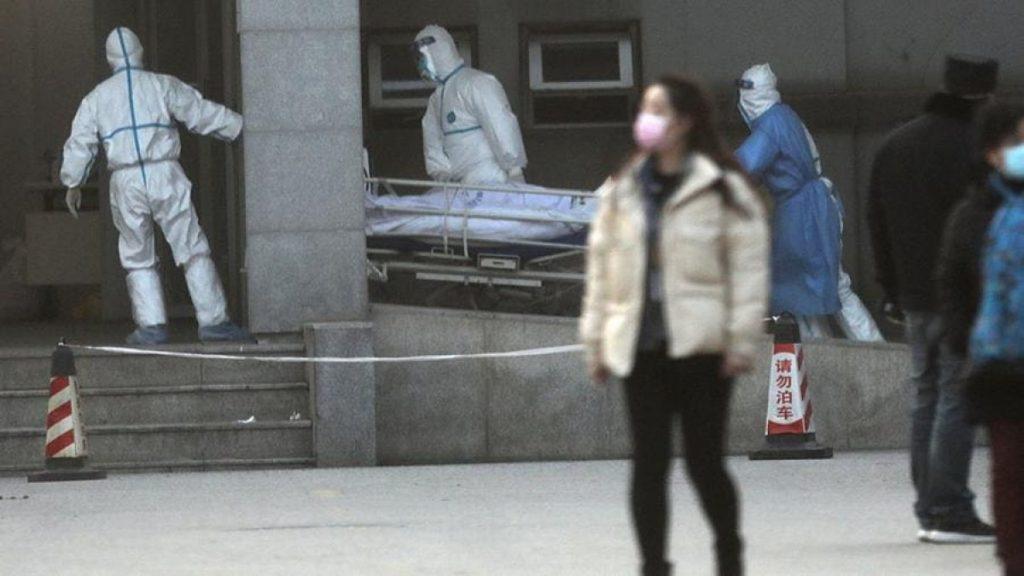 Коронавірус у Китаї: кількість хворих зросла майже до 300
