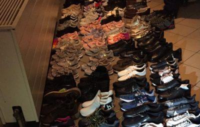 На Львівщині вилучили близько тисячі одиниць контрабандного одягу та взуття