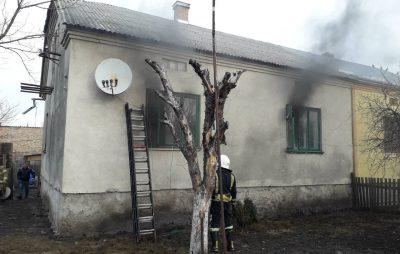 На Жовківщині у будинку загорілась ялинка