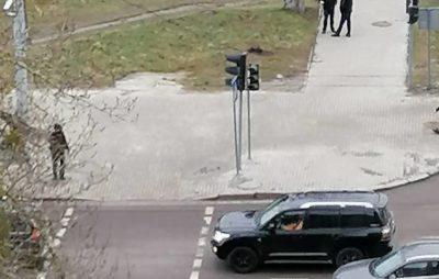 """У Львові ускладнився рух транспорту через несправність світлофорів. Фото: """"Четверта студія""""."""