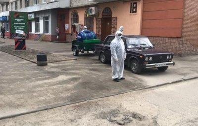 Як у Новояворівську миють вулиці. Фото: Natalya Kotsymbas.