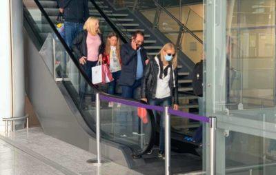 """У аеропорту """"Львів"""" пасажирам вимірюють температуру. Фото: Юрій Танчин"""