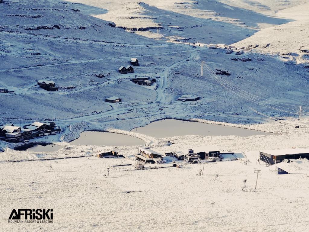 В Африці випав сніг. Фото: AFRISKI.