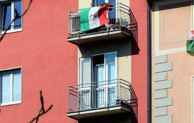 В Неаполі італійці подякували українським медикам за допомогу піснями Руслани