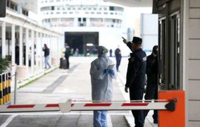 Чехія відкриває торгові центри і дозволяє масові заходи до 100 осіб