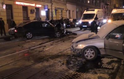 У Львові шукають свідків жахливої ДТП. Фото: Vasyl Tymoshenko.