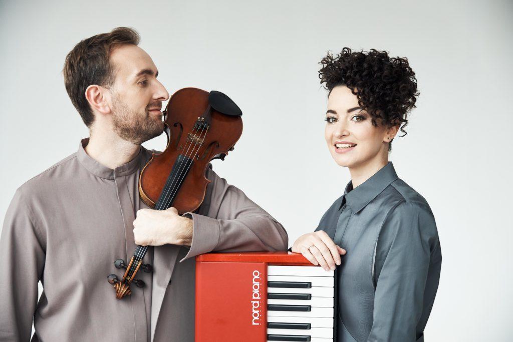 """""""Bozhyk Duo"""" привітав усіх Матусь ліричною мелодією «Чорнобривці»"""