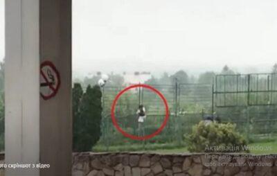 У Шегинях оштрафували українців, що перелізли через паркан під час брифінгу прикордонників