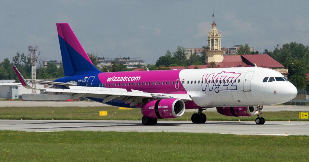 """Аеропорт """"Львів"""" відновив роботу. Фото: Юра Танчин."""