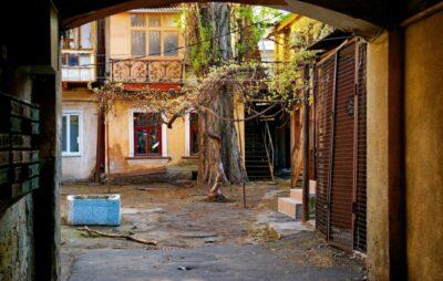 У Львові чоловік обстріляв подвір'я. Фото: відкриті джерела.
