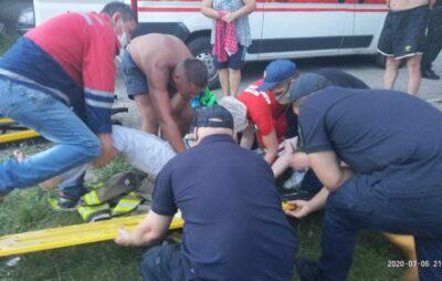 У Яворівському 65-річна жінка впала у колодязь.Фото: ДСНС.