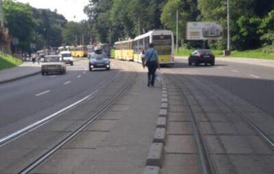 У Львові зупинились трамваї. Фото: Ігор Зінкевич.