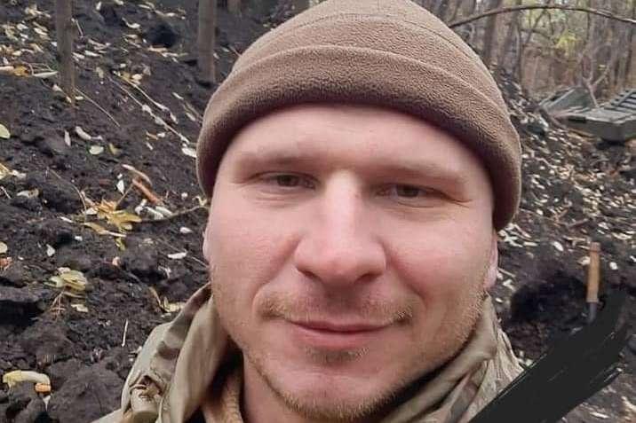 На Донбасі від вогнепального поранення загинув старший солдат Олег Андрієнко. Фото з відкритих джерел