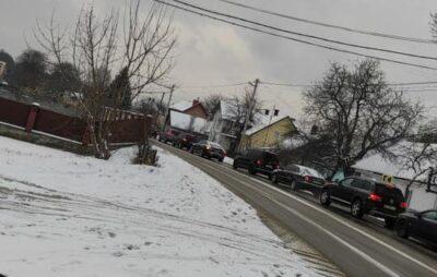 На Яворівщині вантажівка влетіла у подвір'я. Фото: Ігор Зінкевич