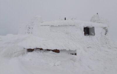 У Карпатах випав майже метровий шар снігу